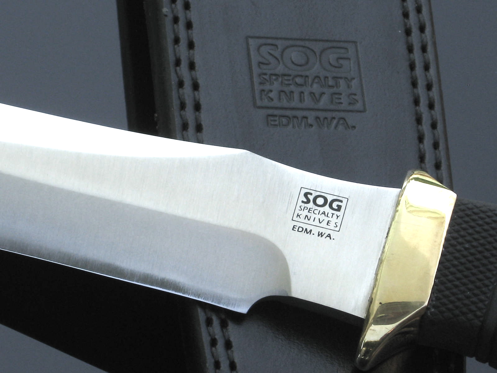 "SOG Tech II 'EDM. WA' logo with sheath logo (Photo: ""Arthur Margain"")"