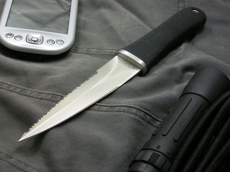 "Wallpaper shot of the SOG Pentagon...  Dagger (Photo:""johnu2"" - bladeforums)"