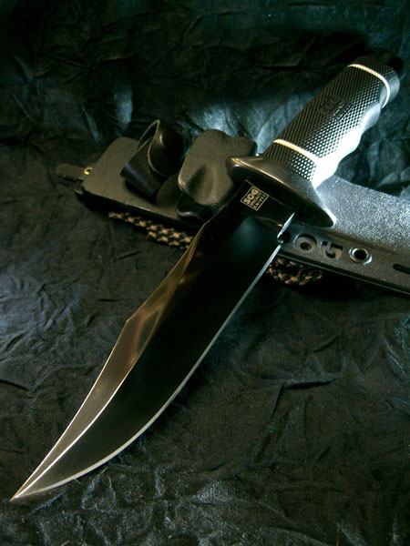 Nice SOG Tech Bowie in black TiNi wallpaper. (Photo: sog-japan.com/sheath/s_05.html)